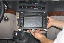 2006-2012 Mercedes Benz Viano Vito radio installation step 11