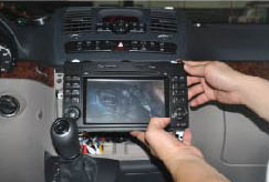 2006-2012 Mercedes Benz Viano Vito radio installation step 8