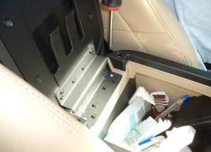 2007-2010 Ford Expedition EL Max(U354) radio installation step 2